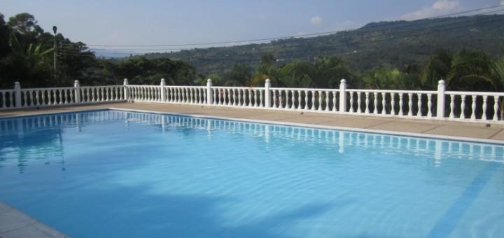 Tratamiento mantenimiento de piscinas abc del finkero for Mantenimiento de la piscina